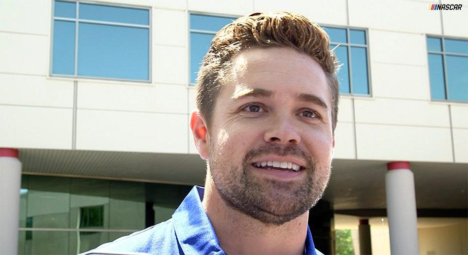 Stenhouse Jr., Roush share thoughts on 2019 Ford Mustang