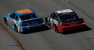 Bump-and-run: Edwards moves teammate Kyle Busch to win at Richmond