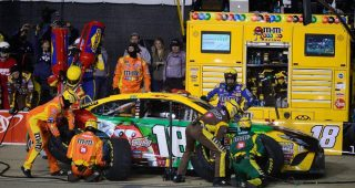 Crew Call: Everything's 'clicking' for No. 18 team
