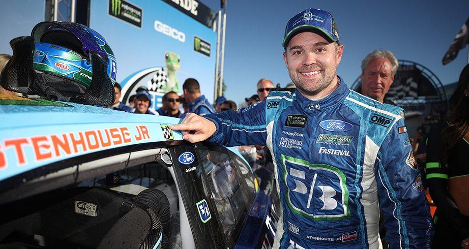 Bump drafting & the Boulevard: Stenhouse loves racing at Talladega