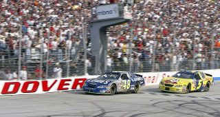 Johnson, Busch thrill in closest finish in Dover history