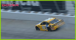 Kyle Busch's day ends after drive shaft breaks in Dover