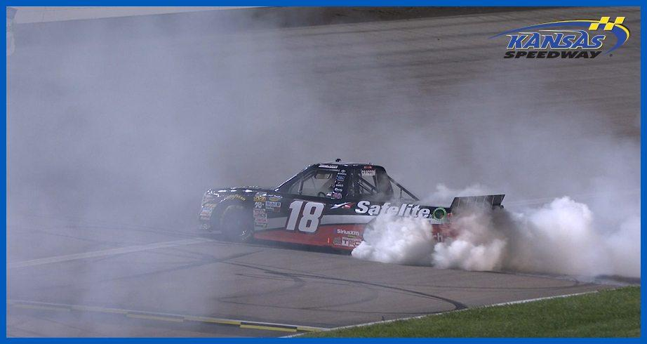 Gragson gives fans a show with Kansas burnout