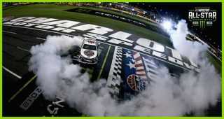 Crew climbs fence to punctuate Harvick's $1 million burnout