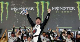 Momento PEAK de Kevin Harvick en la All-Star Race en Charlotte
