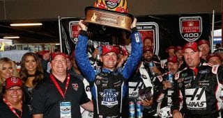 Bowyer pays respect to the military in Victory Lane