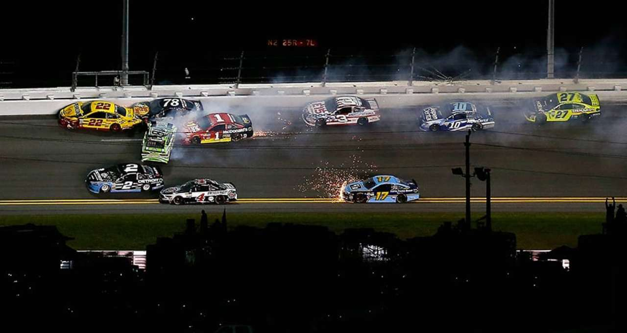 GarageCam: Trouble looms at any point at Daytona