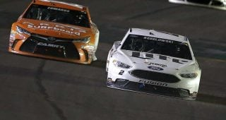 Keselowski stretches every drop of fuel for 2016 Kentucky win