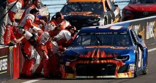 All Access: Go inside the final two laps at Watkins Glen with Elliott
