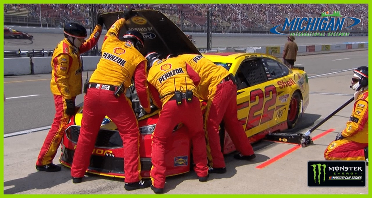 Logano loses starting spot after problem during pace laps