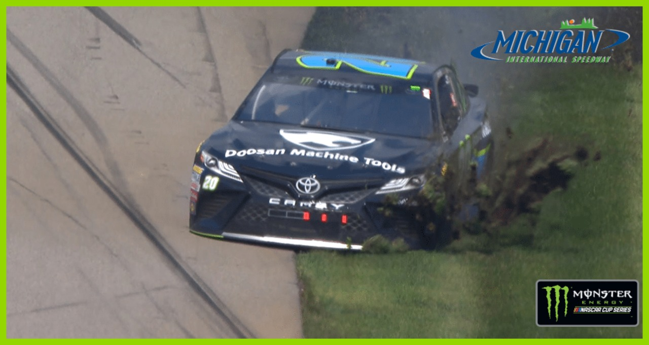 Jones spins, goes through the grass at Michigan