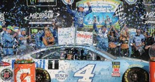 'Once in a lifetime' journey for Harvick's pit crew