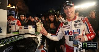 Race recap: Harvick beats Blaney for Championship 4 berth