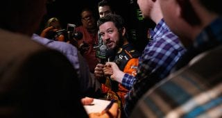 Truex Jr.'s philosophy: 'Eye for an eye' with Logano