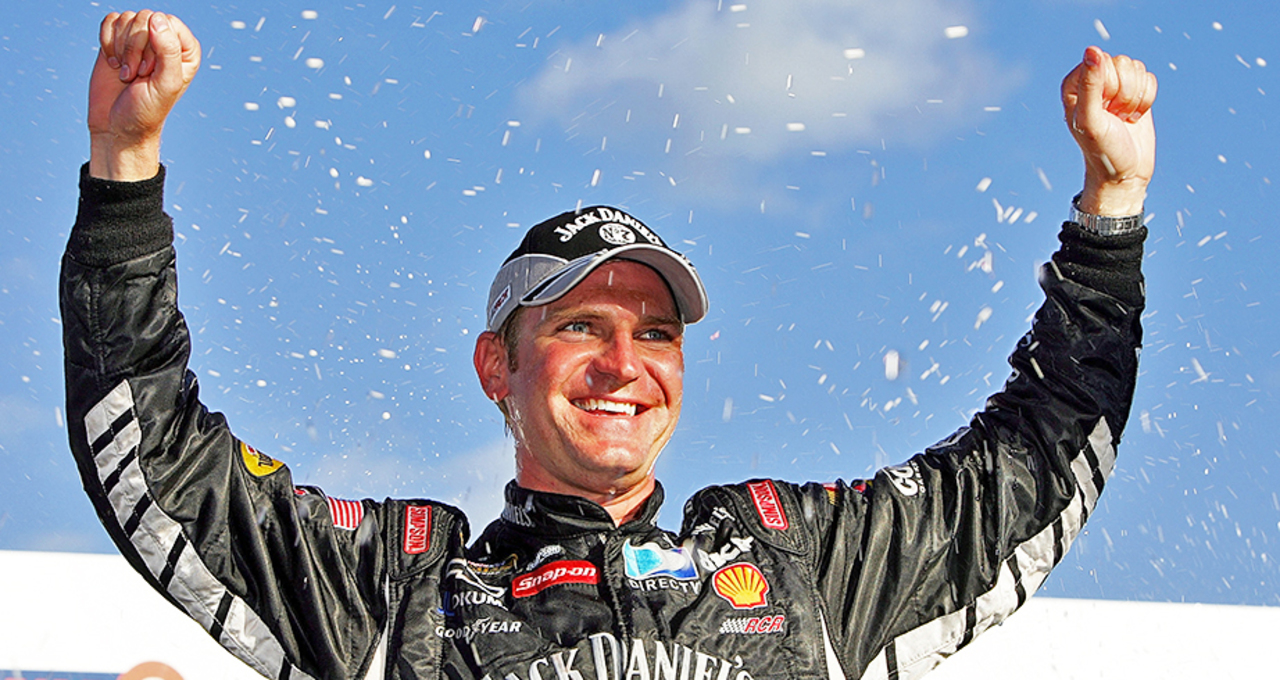 Clint Bowyer's first Cup win at New Hampshire in 2007 - NASCAR EN